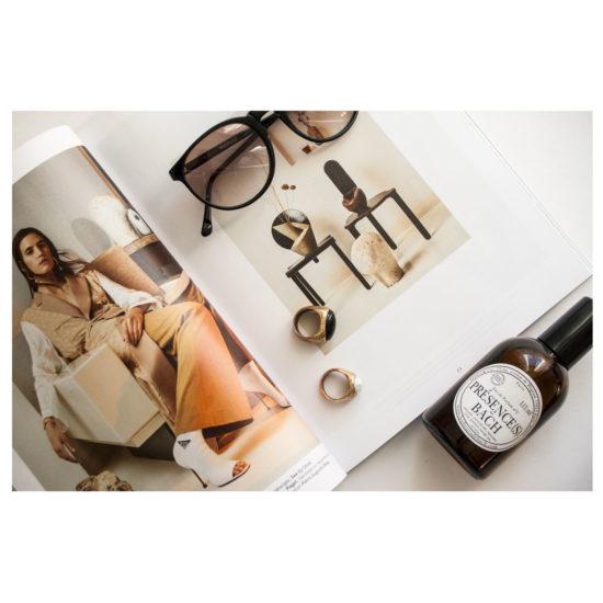 Milk Décoration, lunettes, bijoux, parfum Présence(s) de Bach